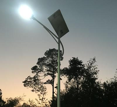 中城寨路灯亮化工程